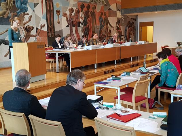 Landessynode Helen Dreikopf ungeborenes Leben Schwangerschaftsuntersuchung Kinder Behinderung