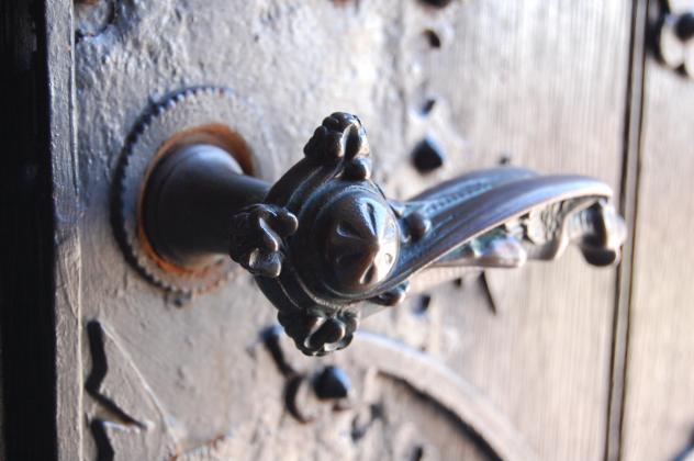 Baudenkmal Tür Kirchentür Klinke