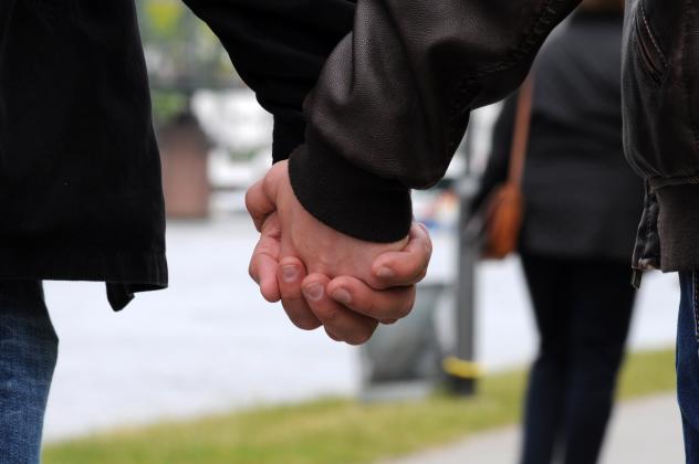 Paar, Hand halten