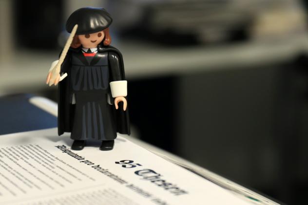 Martin Luther Playmobil Pixelio
