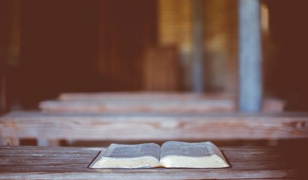 Bibel Lesung Kirche Laienpredigt