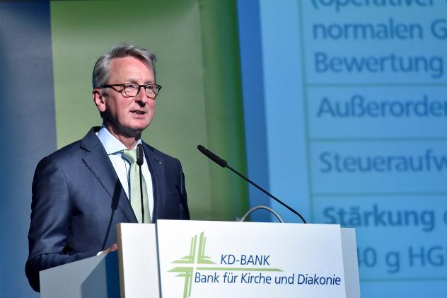 Dr. Ekkehard Thiesler