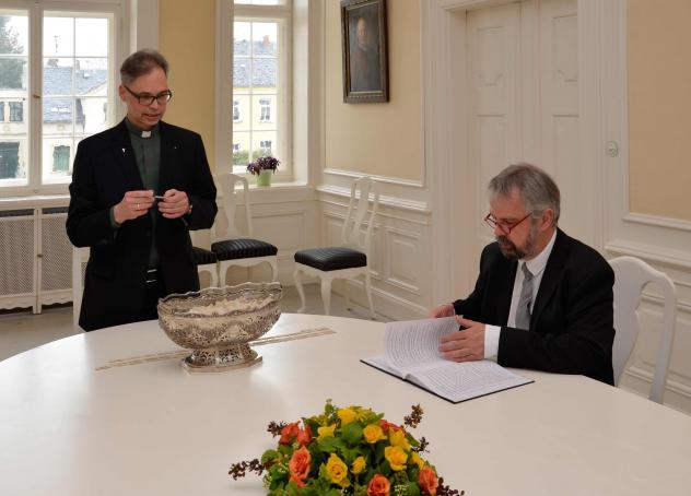 Pfarrer Jürgen Dittrich (l.) zog die ersten vier Monate zusammen mit Johannes Welschen von der Kirchenleitung der evangelischen Brüder-Unität.