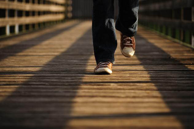 Spaziergangforscher Bertram Weisshaar regelmäßige Fußmärsche im Freien