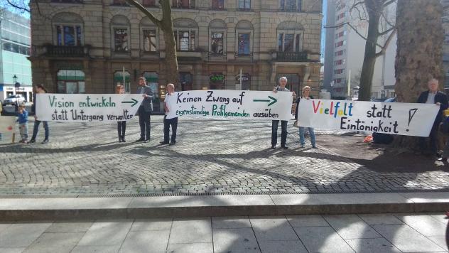 Synode Dresden Dreikönigskirche Protest
