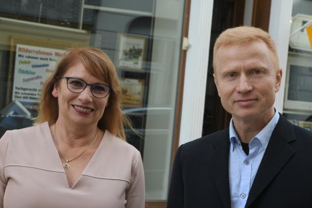 Gleichstellungsministerin Petra Köpping traf sich vorab mit dem Gemeindepädagogen Jens Ullrich, der mit einem Mann verheiratet ist. © Steffen Giersch