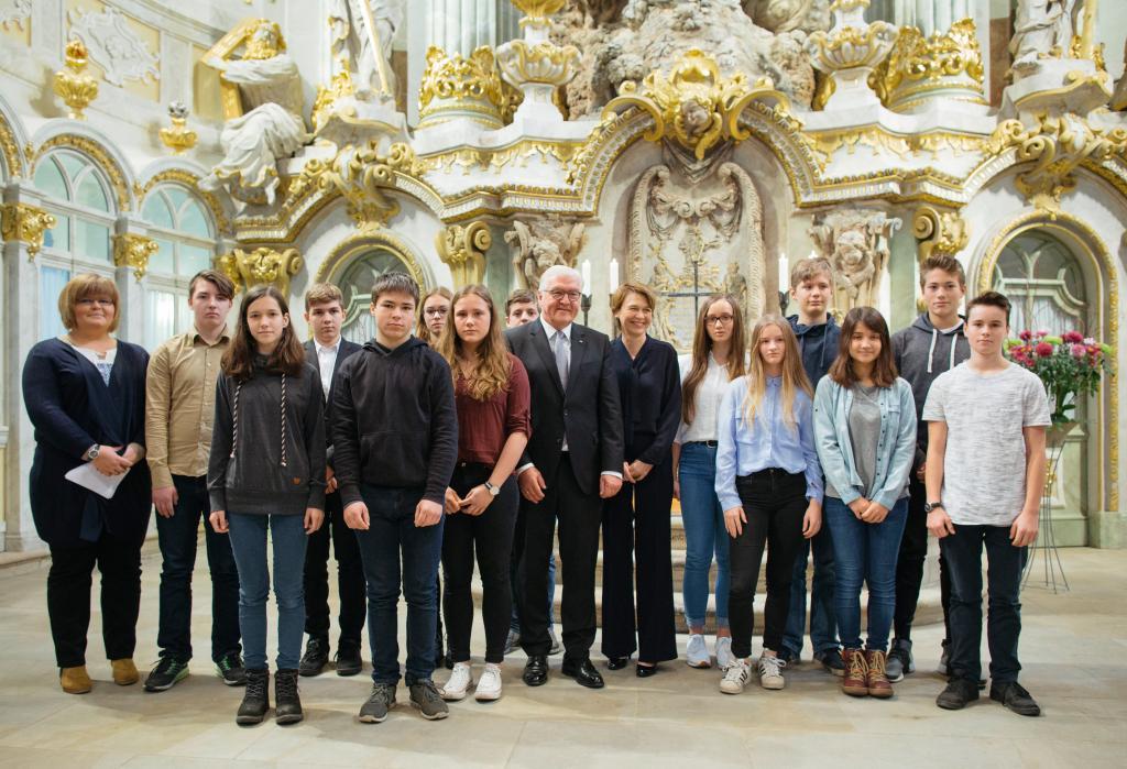 Bundespräsident Steinmeier Schüler 88. Oberschule Dresden Frauenkirche © Stiftung Frauenkirche/Oliver Killig