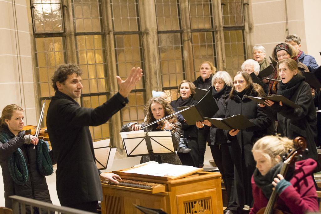 Musikalische Begleitung: Evangelische Kantorei St. Petri, Ensemble mit historischen Instrumenten, KMD Michael Vetter