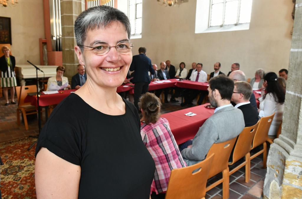 Neue Superintendentin Anacker Vertragsunterzeichnung im Freiberger Dom