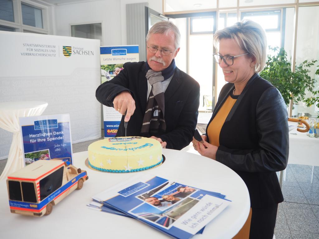 Dr. Matthias Czech (Landesvorsitzender des ASB Sachsen) und Staatsministerin Barbara Klepsch/Foto: G. Rothe