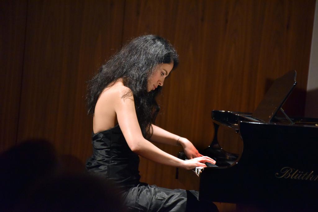 Musik einer türkischen Pianistin © Armin Kühne