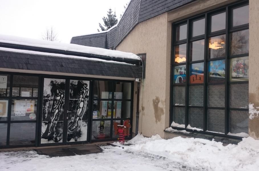 Eingang des Gemeindezentrums in Markersdorf