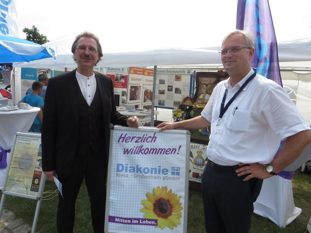 Superintendent Andreas Beuchel (l.) und Hans-Georg Müller, Diakonie-Geschäftsführer © Diakonie Riesa-Großenhain