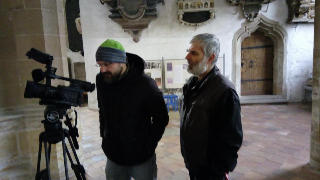 Kameramann Daniel Folkmer mit Küster Otto Schröder