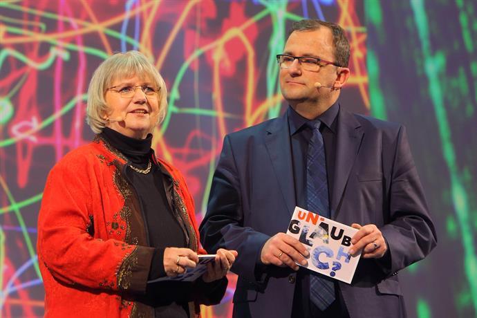 Moderatoren Steffen Kern und Elke Werner/