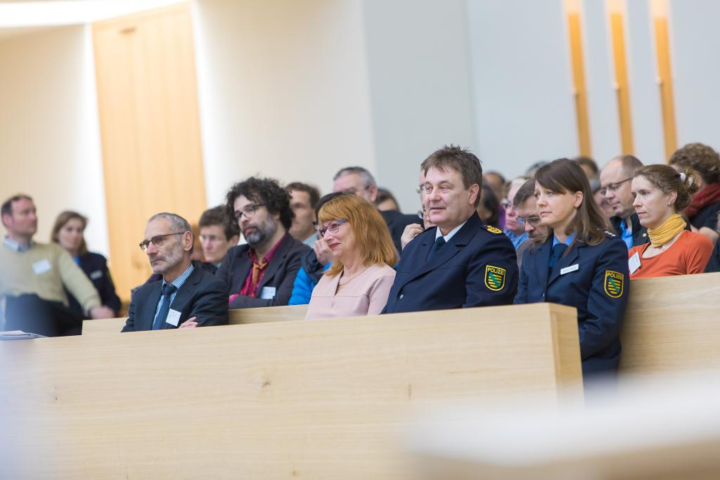 V.l.: Oberlandeskirchenrat Dr. Peter Meis, Pfarrer Dr. Ralf Günther, Staatsministerin Petra Köpping, Polizeipräsident Bernd Merbitz