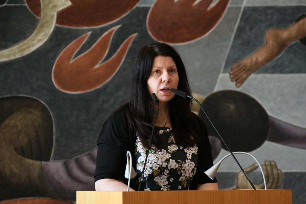 Die Moskauer Pröpstin Elena Bondarenko bei ihrem Grußwort.