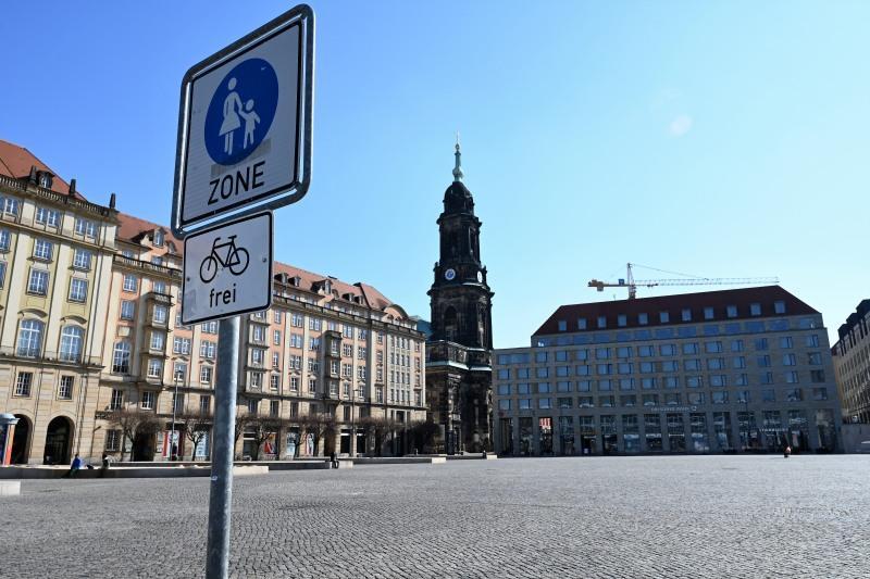 Dresden, Altmarkt, Kreuzkirche, Corona