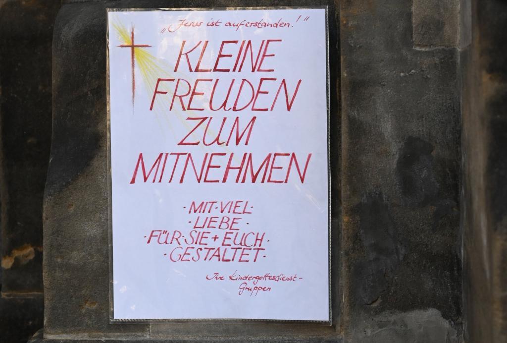 Ostern, Dresden, Martin-Luther-Kirche, Hinweiszettel