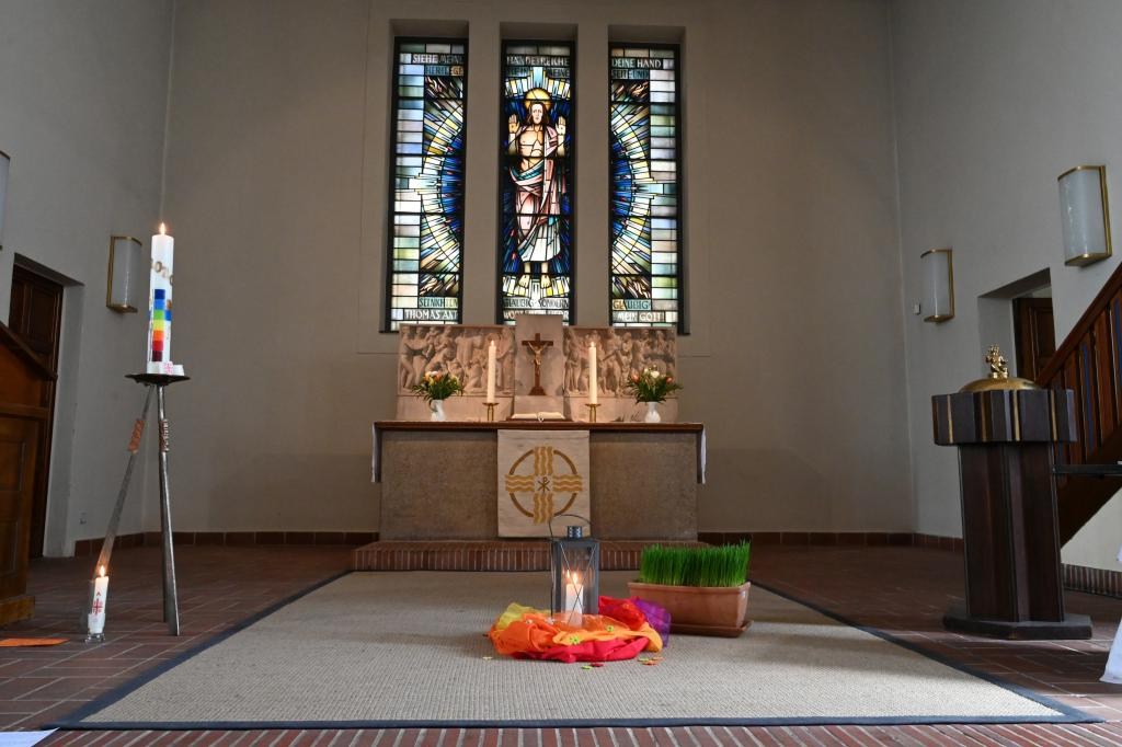 Ostern, Corona, Dresden, Thomaskirche, Altarraum