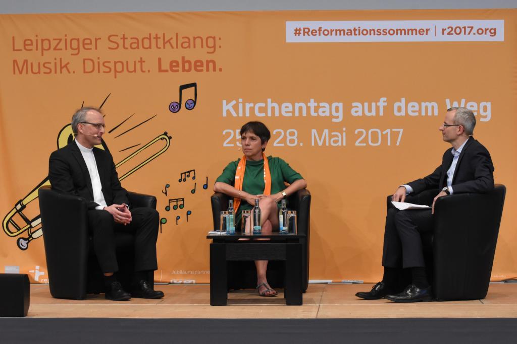 Podium mit Carsten Rentzing und Margot Käßmann am Sonnabend