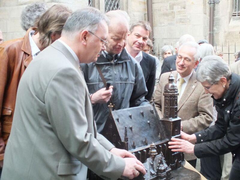 Übergabe des Tastmodells der Thomaskirche 2012