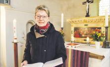 Beate Zetzsche möchte in Großpösna sonntags mit weiteren Gemeindegliedern die Kirche öffnen, Kerzen anzünden und zum Gebet einladen. Denn nur aller vier Wochen ist in der Lutherkirche Gottesdienst. Foto: Wolfgang Zeyen