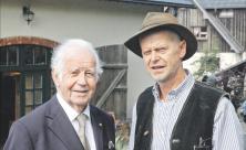 Der ehemalige sächsische Ministerpräsident Kurt Biedenkopf (l.) war auf Einladung des christlichen Unternehmers Jürgen Huss in Neudorf zu einer Gesprächsrunde. Foto: Christine Bergmann