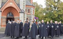 Einzug des sächsischen Johanniterordens zum Gottesdienst am Rittertag in der St. Trinitatiskirche Bad Elster. Foto: Eckhard Sommer