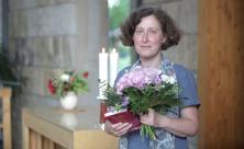 Brigitte Lammert, Superintendentin, Glückwunsch, Blumenstrauß