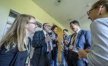 Der Theologe Prof. Dr. Alexander Deeg von der Uni Leipzig (2.v.r.) mit Gästen aus Israel – unter ihnen Rabbiner Prof. Dr. Shabtai Rappaport (2.v.l.)/© Thomas Klitzsch