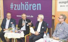 Diakonie-Präsident Ulrich Lilie (2. v.l.) im Gespräch mit Missionsdirektor Christian Kreusel von der Diakonie Leipzig (l.)                     <div class=