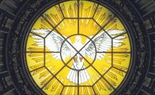 Darstellung einer Pfingsttaube in der Kuppel des Berliner Doms