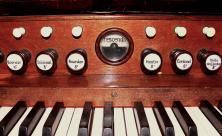 Orgel                     <div class=