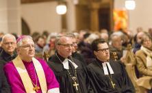 Heinrich Timmerevers und Carsten Rentzing (v.l.) während des Gottesdienstes zum Beginn des Reformationsjubiläums am 6. Januar in Bautzen