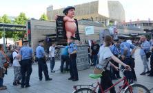 Demonstration gegen Kirchentag
