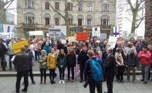 Protestaktion vor der Dreikönigskirche